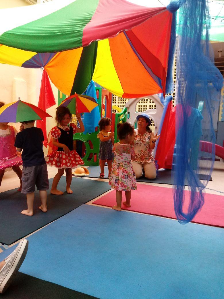 Curso de férias na Escola Catavento: é pra todo mundo ser feliz!