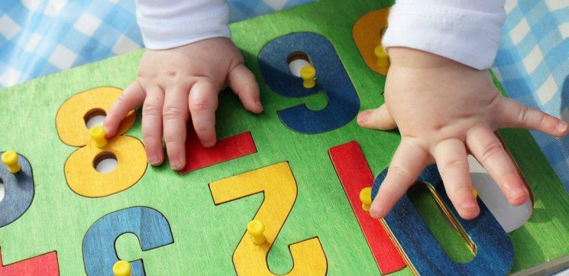 Pressa, atraso e pressão: por que aceleramos o fim da educação infantil?